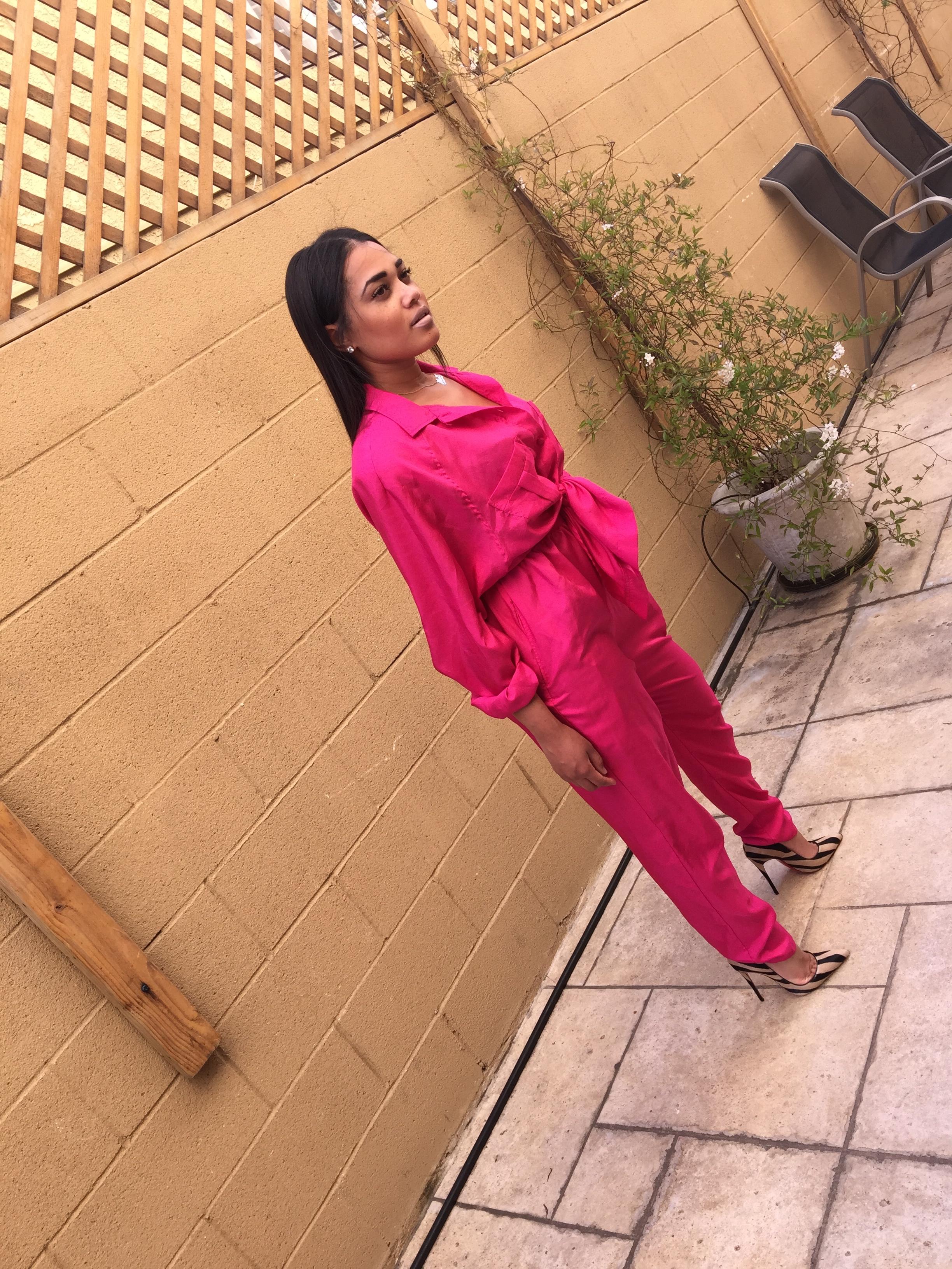 mia-campbell-pinkgrasshopper-vintage-how-to-wear-monochrome-suit
